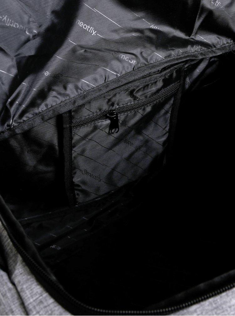 Šedá žíhaná taška Meatfly Rocky 33 l