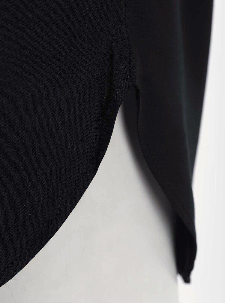 Černé tričko s delším zadním dílem VERO MODA Boca