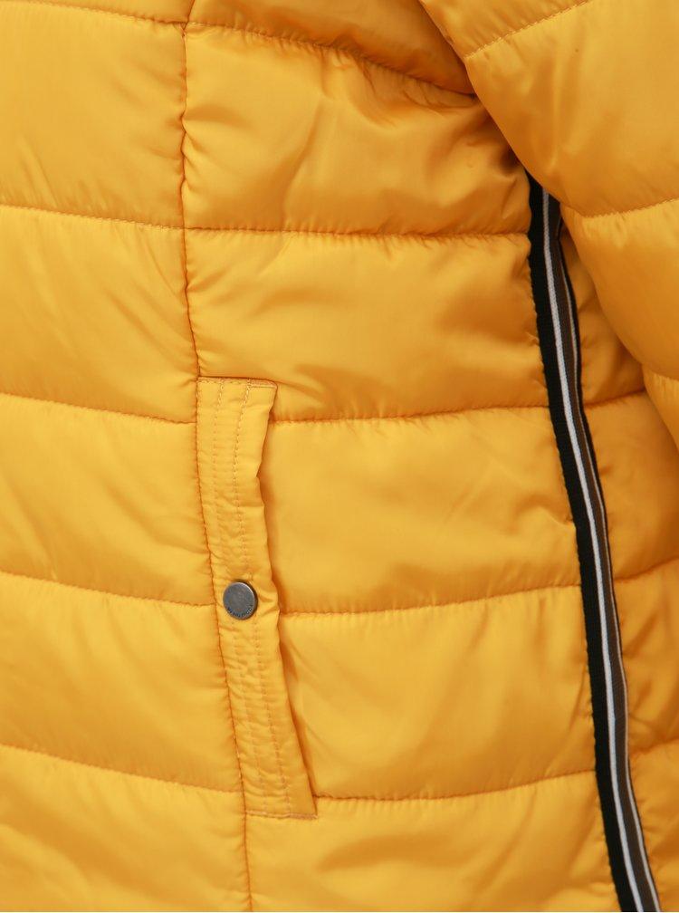 Žltá zimná prešívaná bunda VERO MODA Simone
