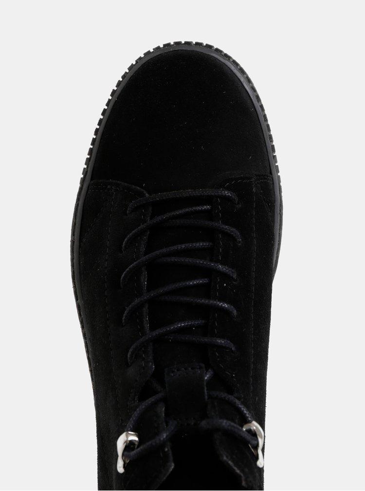 Černé semišové zimní kotníkové tenisky Tamaris