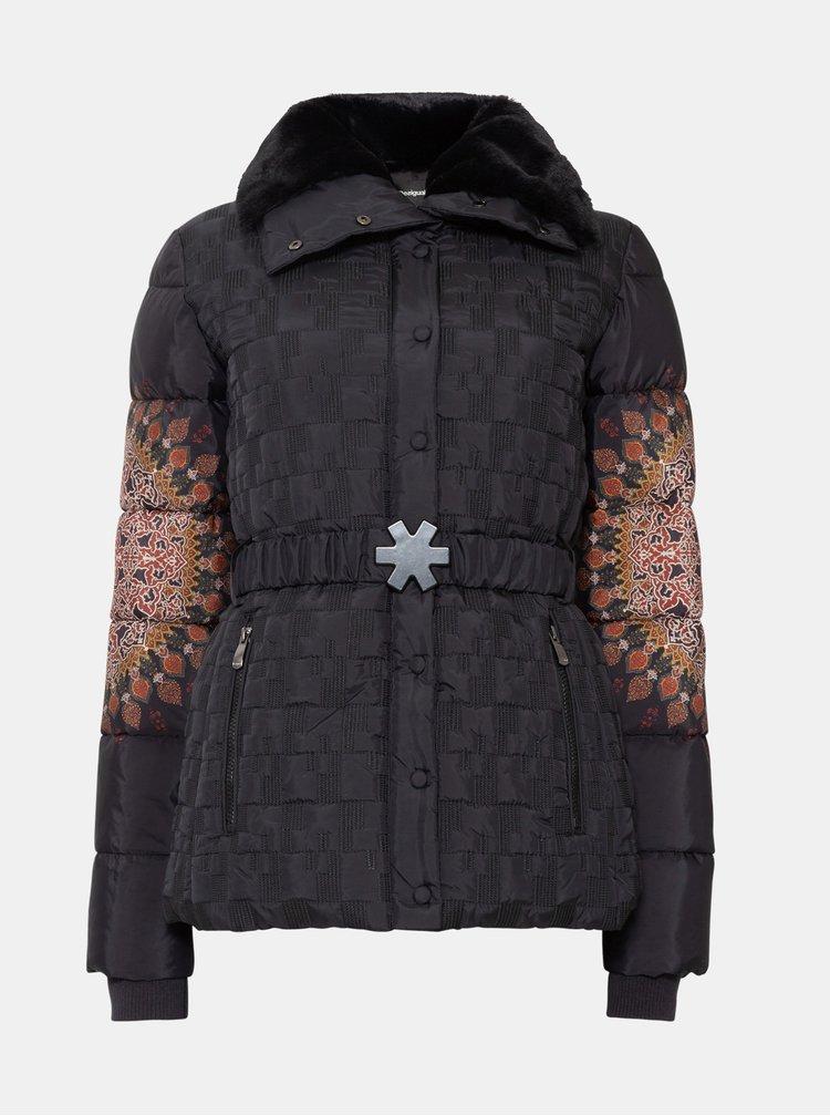 Čierna vzorovaná prešívaná bunda Desigual Aggu