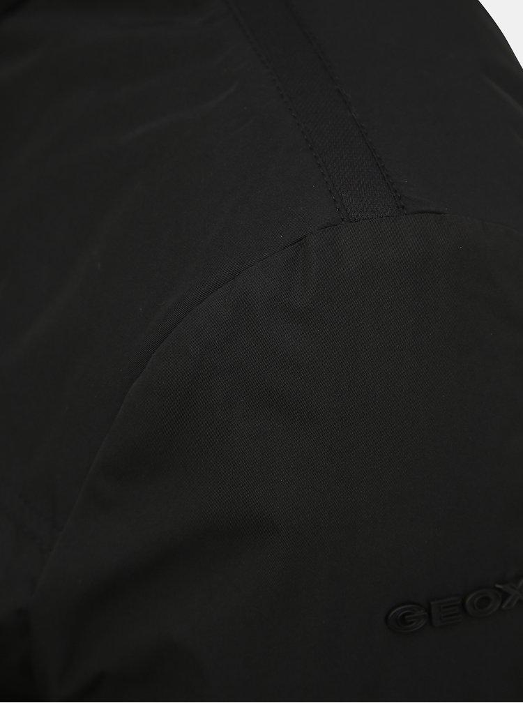 Jachete si tricouri