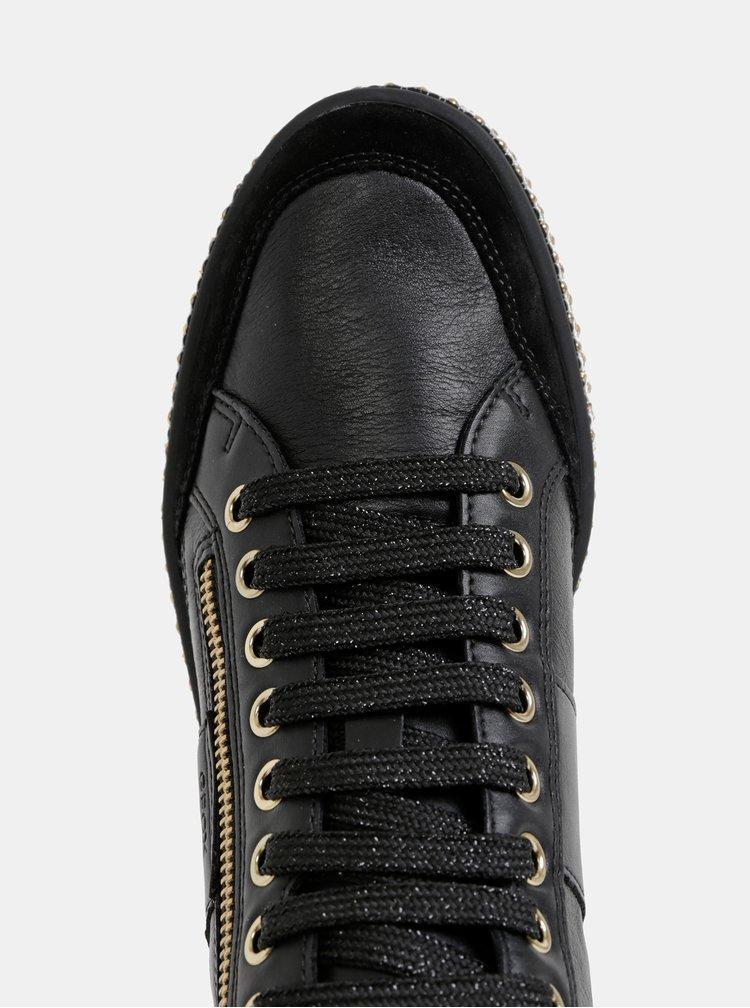 Čierne dámske kožené kotníkové tenisky s detailmi v zlatej farbe Geox Leelu