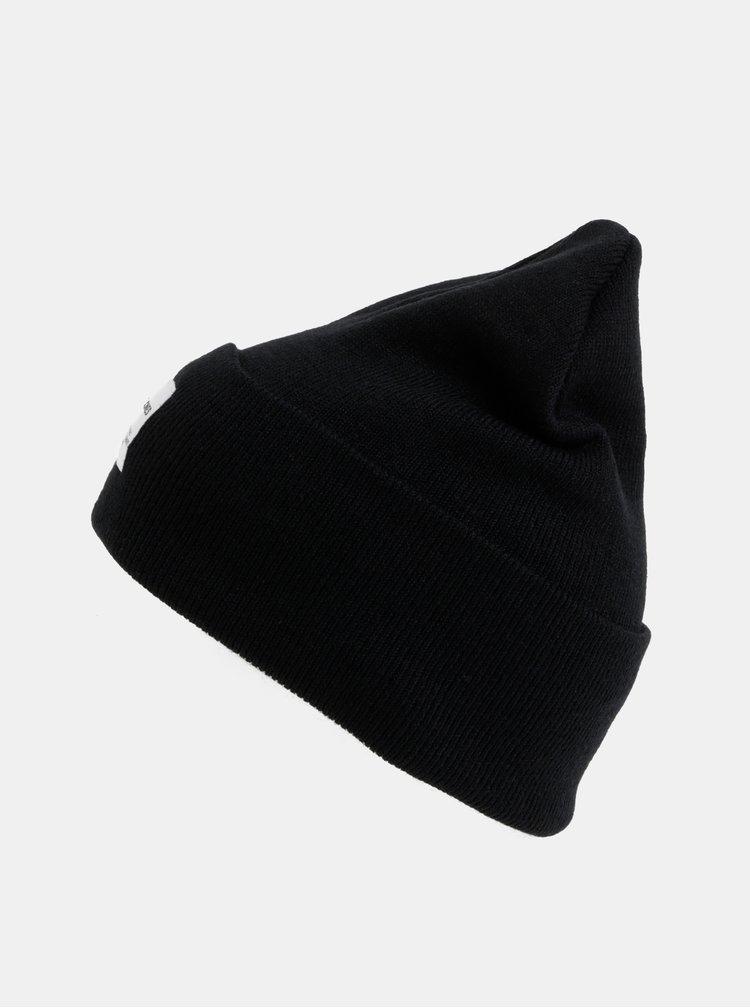 Černá čepice Jack & Jones Clong