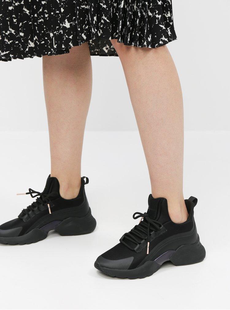 Čierne tenisky Tamaris