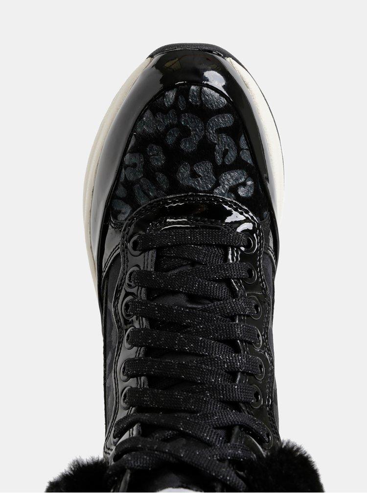 Černé dámské zimní kotníkové voděodolné tenisky s umělým kožíškem Geox Backsie