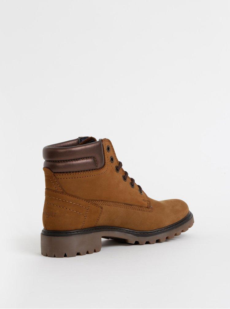 Hnedé dámske semišové kotníkové topánky Wrangler