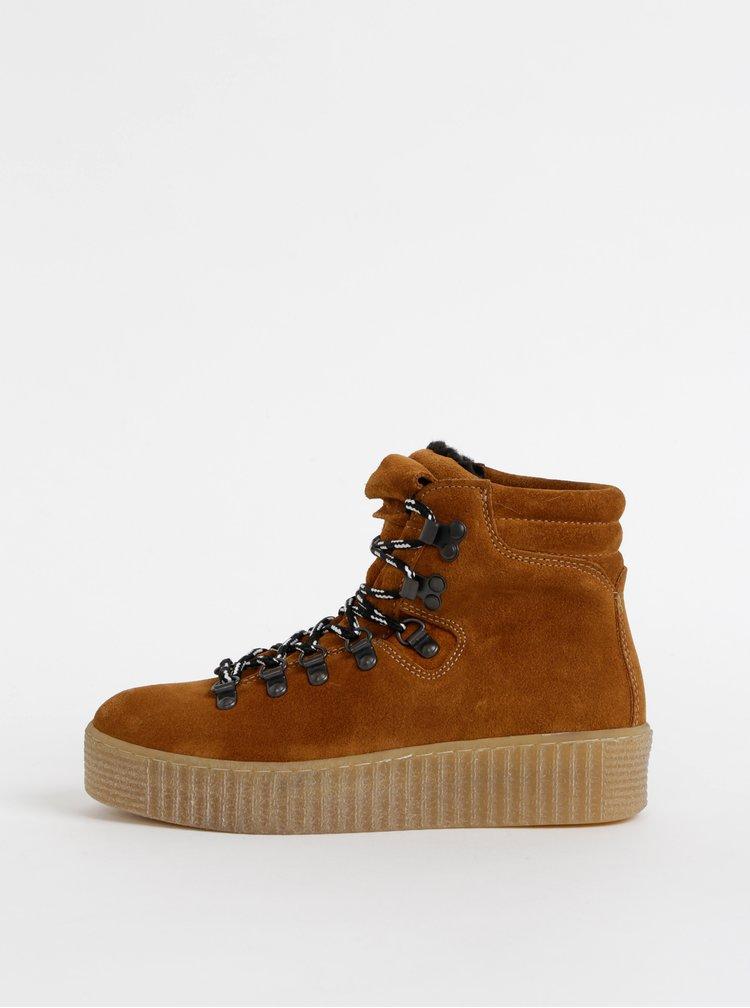 Hnědé semišové zimní kotníkové boty na platformě Pieces Halima