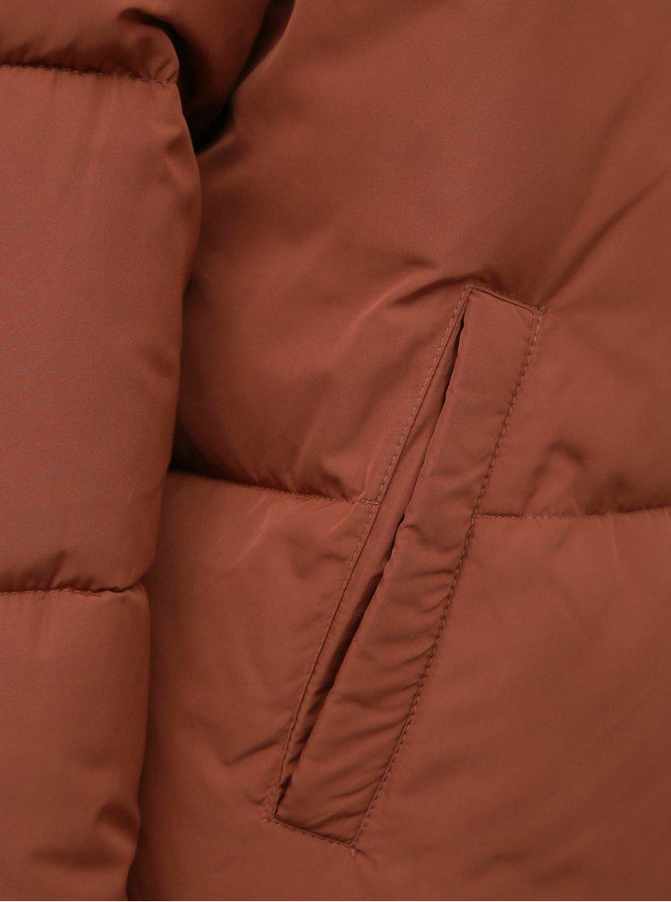 Hnědá zimní prošívaná bunda Jacqueline de Yong Erica