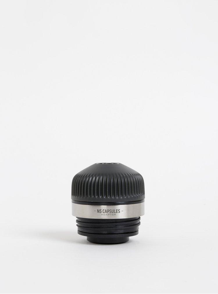 Černý adaptér na kapsle Nespresso na Nanopresso Wacaco