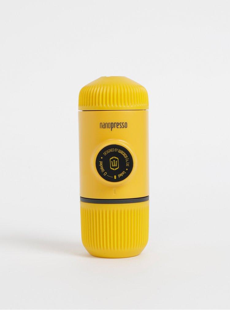 Žlutý přenosný kávovar Wacaco Nanopresso 80 ml