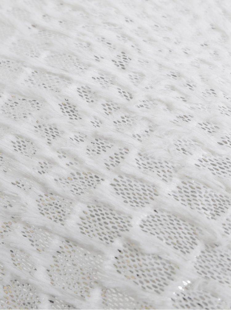 Bílý polštář s detaily ve stříbrné barvě Dakls