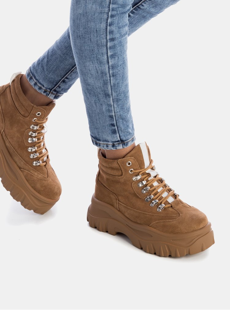 Hnědé dámské semišové zimní kotníkové boty Xti