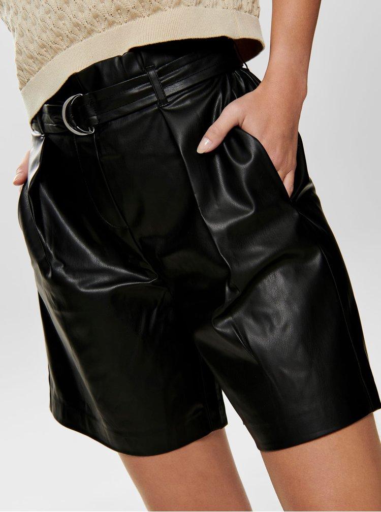 Černé koženkové kraťasy s vysokým pasem ONLY Helena