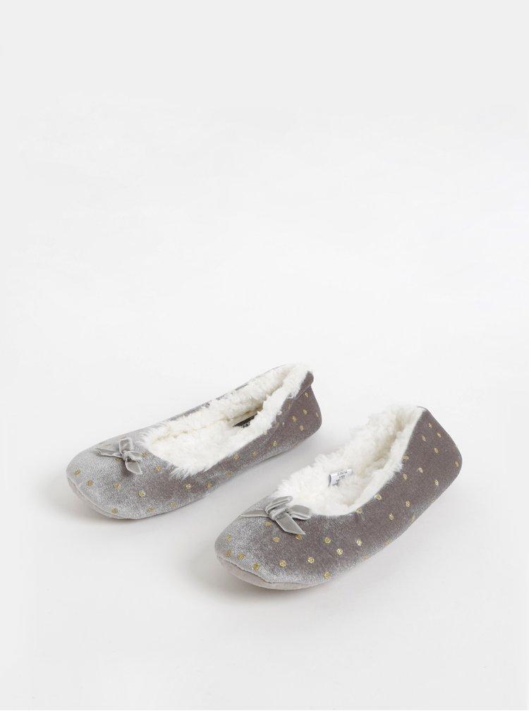 Šedé puntíkované papuče M&Co