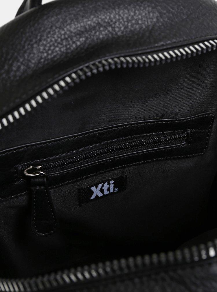 Černý dámský batoh Xti