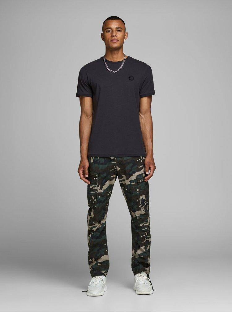 Čierne slim fit tričko Jack & Jones Booker