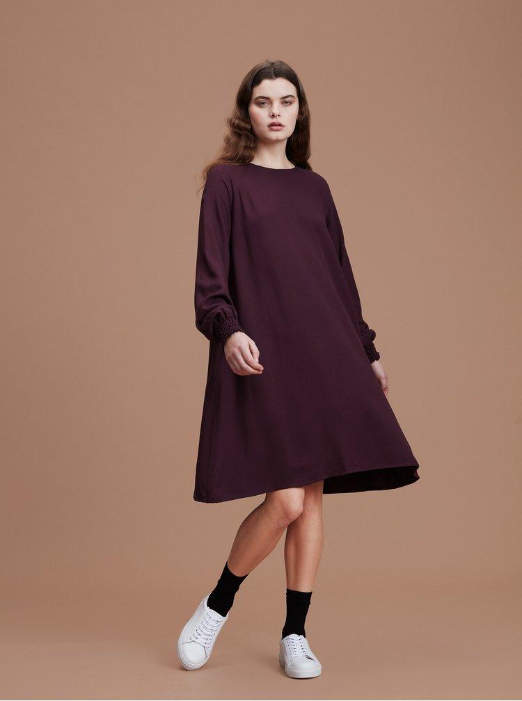 Vínové šaty Makia Nominal