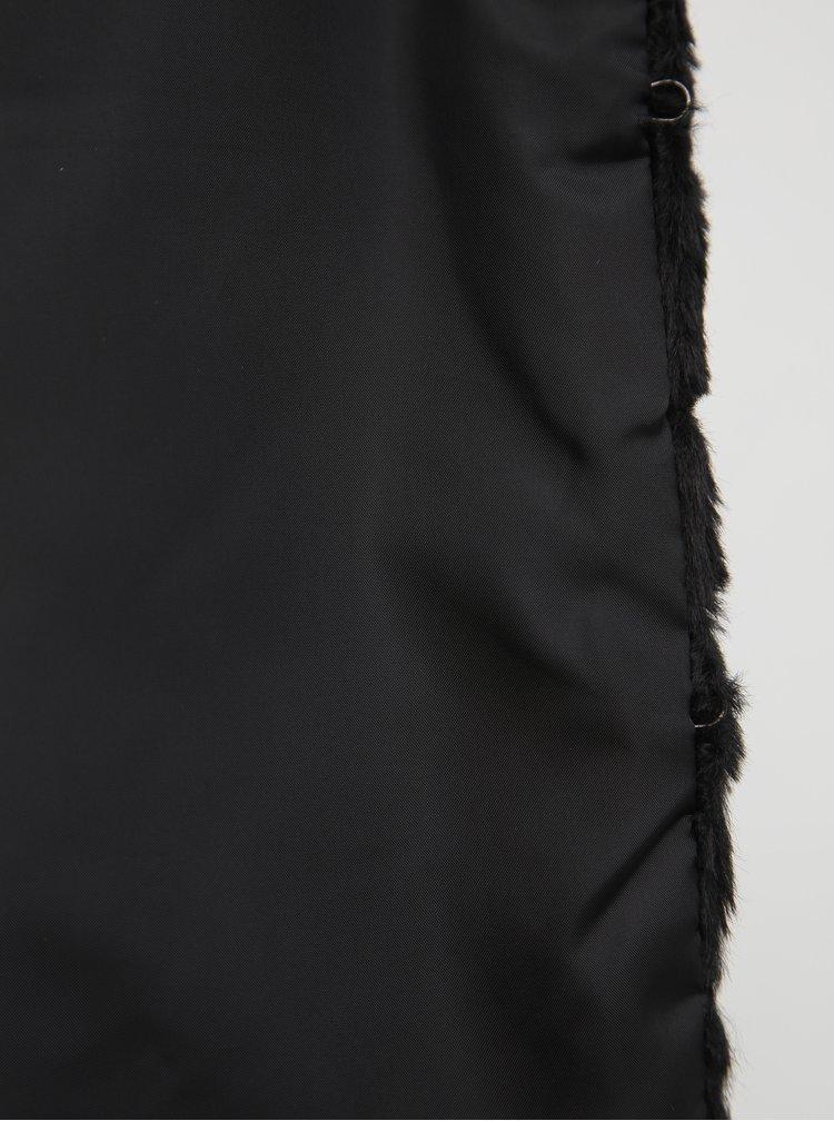 Černý krátký kabát z umělé kožešiny Jacqueline de Yong Keira