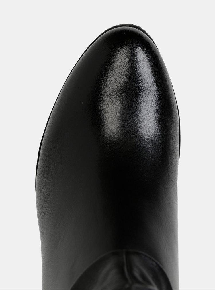 Černé kožené nízké kozačky Tamaris