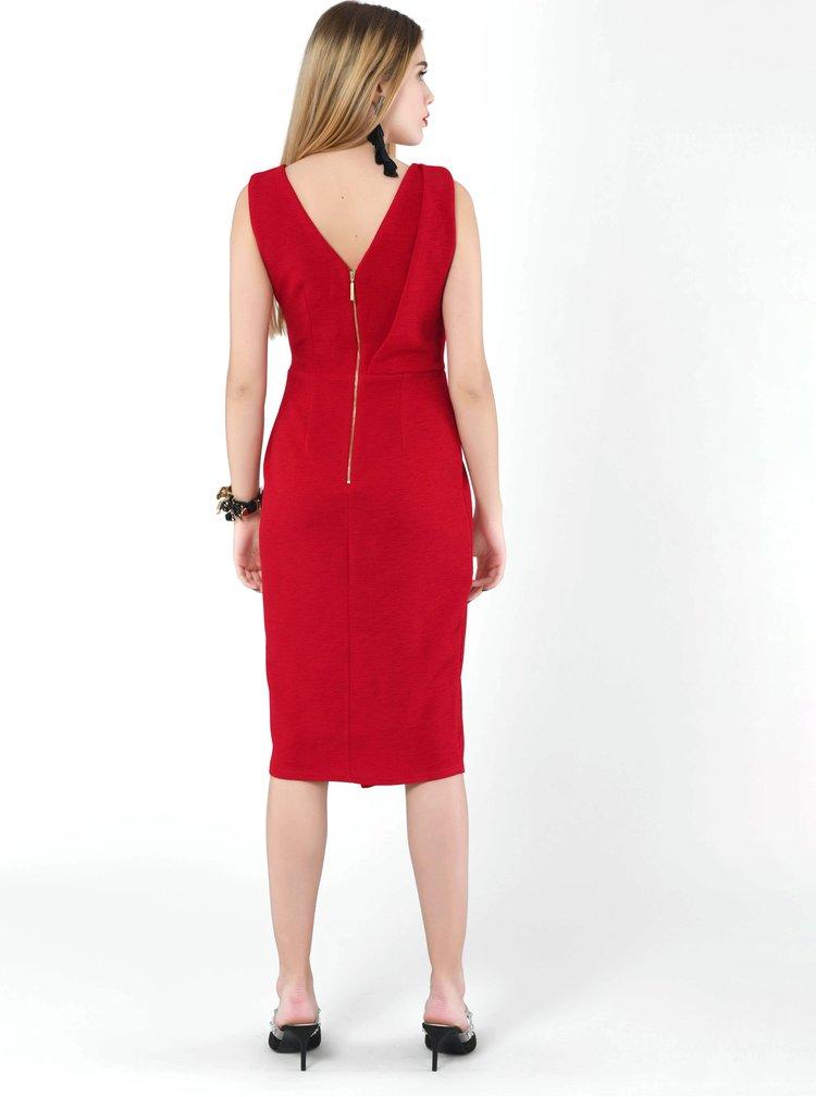 Červené pouzdrové šaty Closet