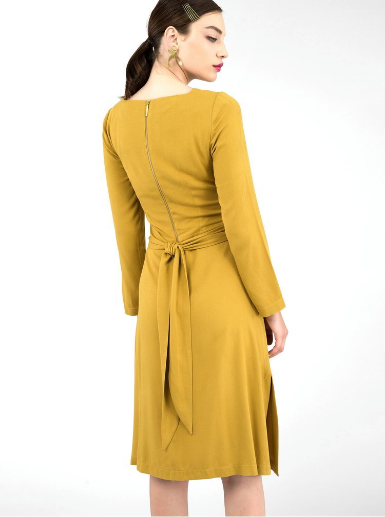 Hořčicové šaty Closet