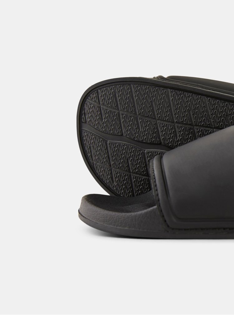 Černé pantofle Pieces Nika
