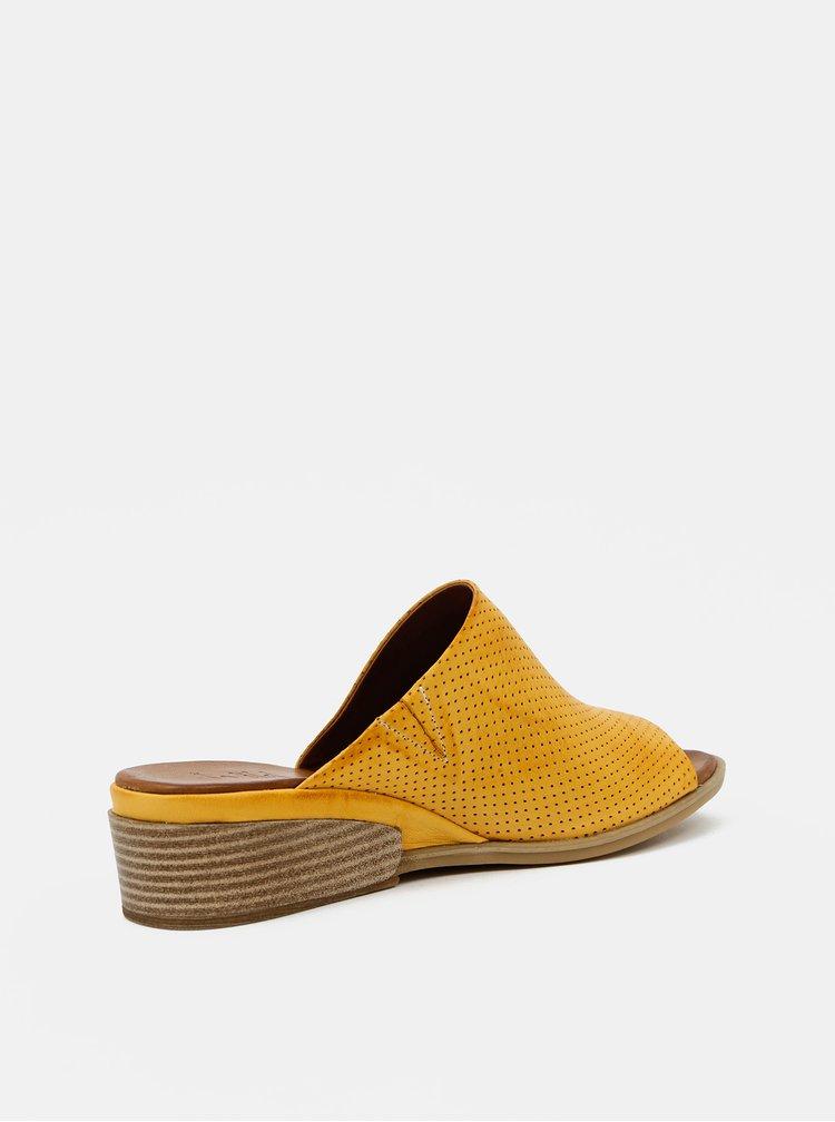 Žlté dámske kožené pantofle na plnom podpätku WILD