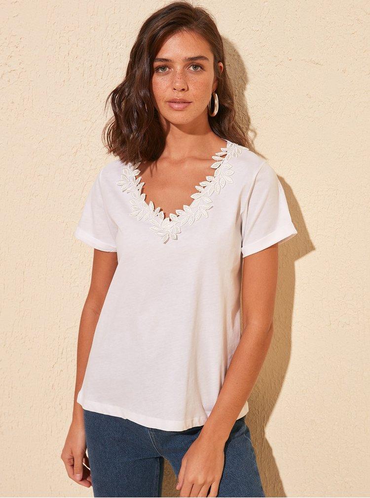 Bílé tričko Trendyol