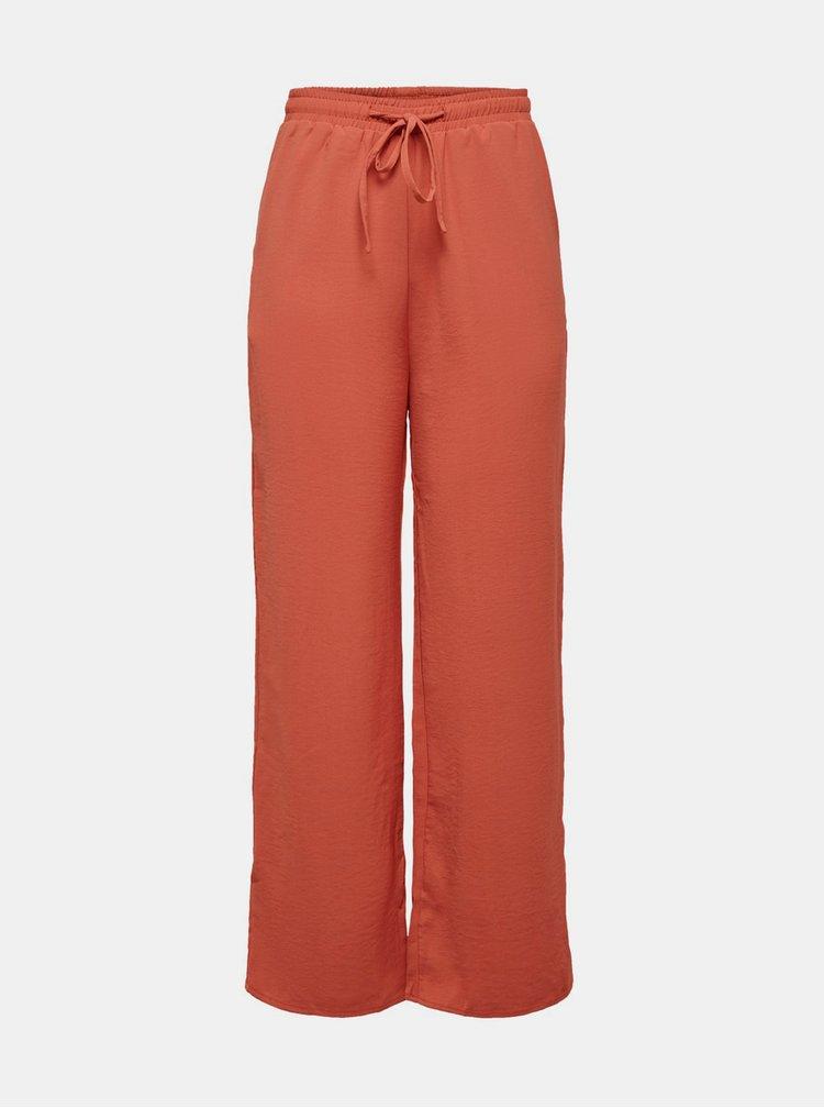 Pantaloni chino pentru femei ONLY - caramiziu