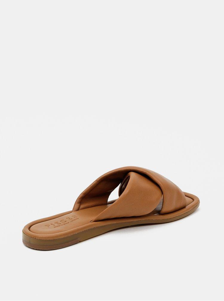 Hnědé kožené pantofle Pieces Audrey