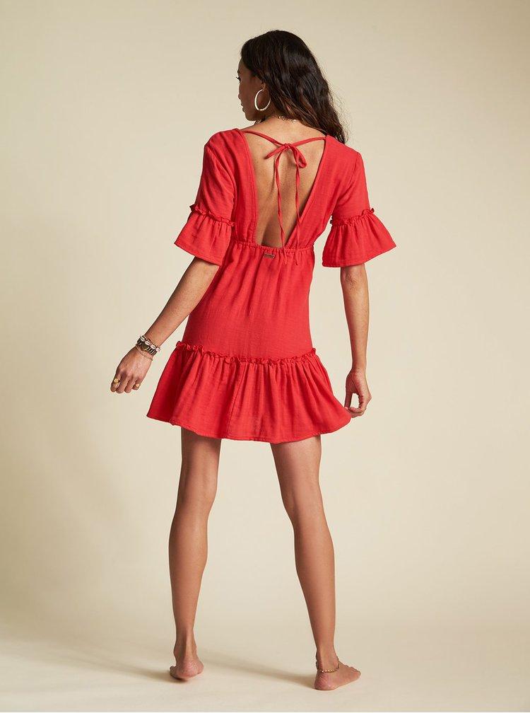 Červené šaty Billabong