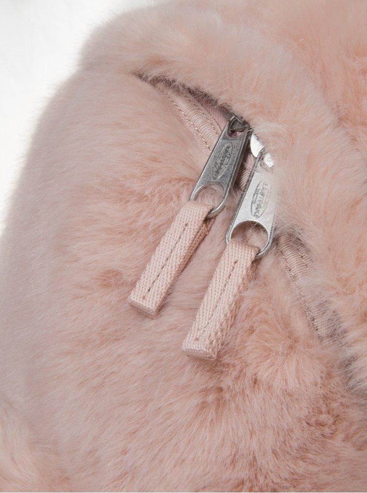 Růžový batoh z umělého kožíšku Eastpak 24 l