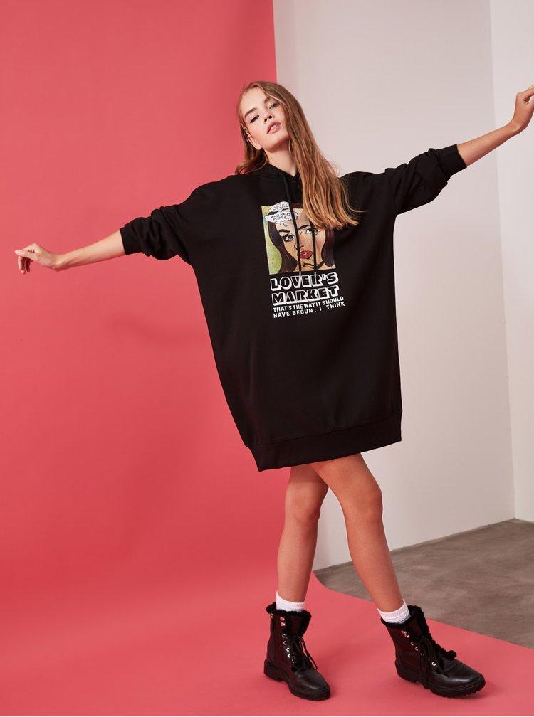 Černé mikinové šaty s kapucí Trendyol
