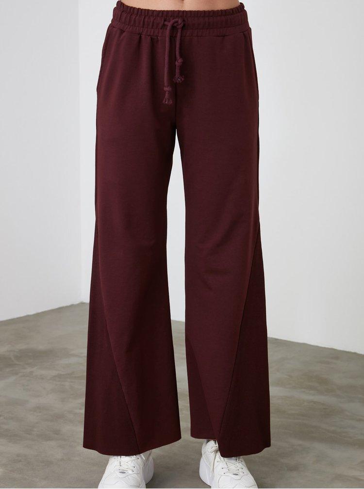 Pantaloni sport pentru femei Trendyol - bordo