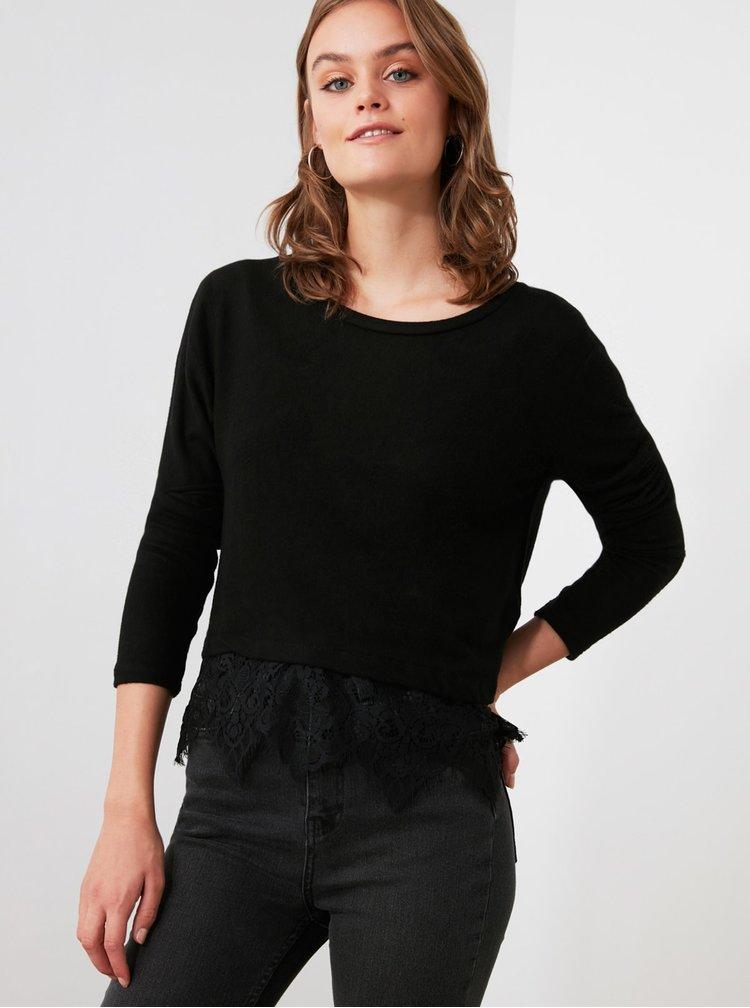Černé tričko s krajkou Trendyol