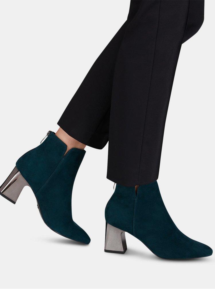 Tmavě zelené semišové kotníkové boty Tamaris