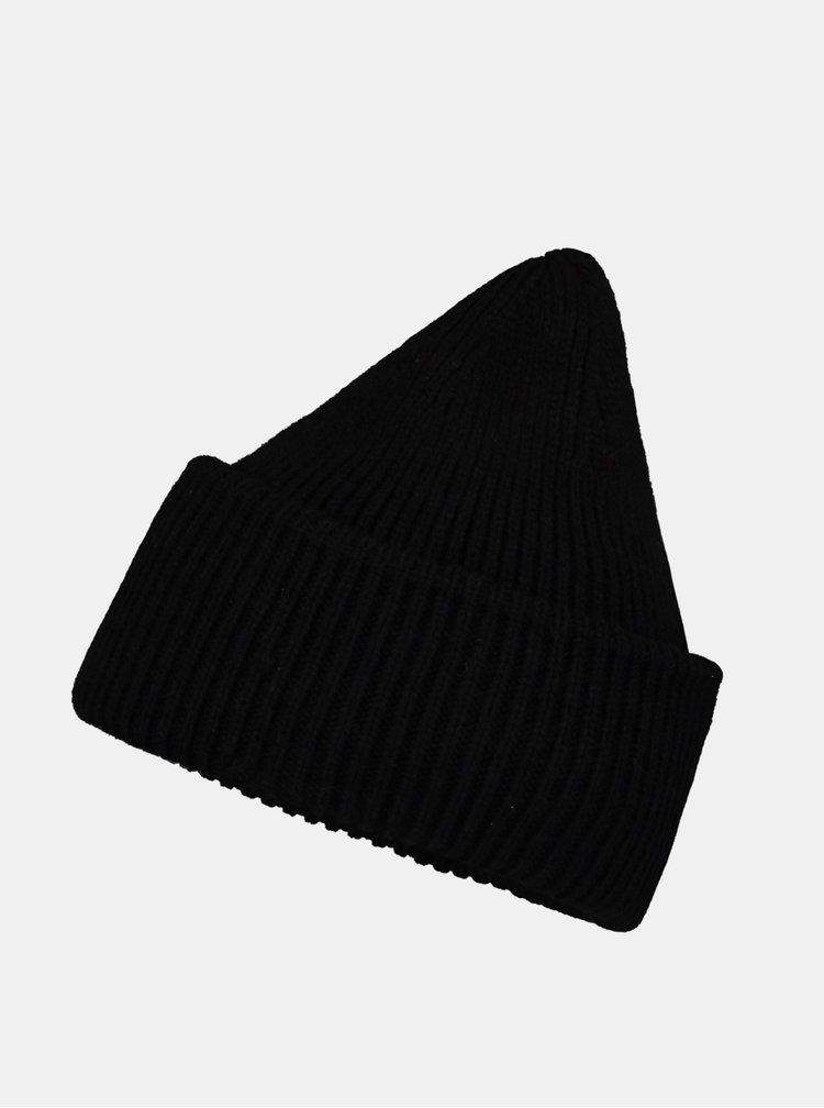 Černá čepice Hailys