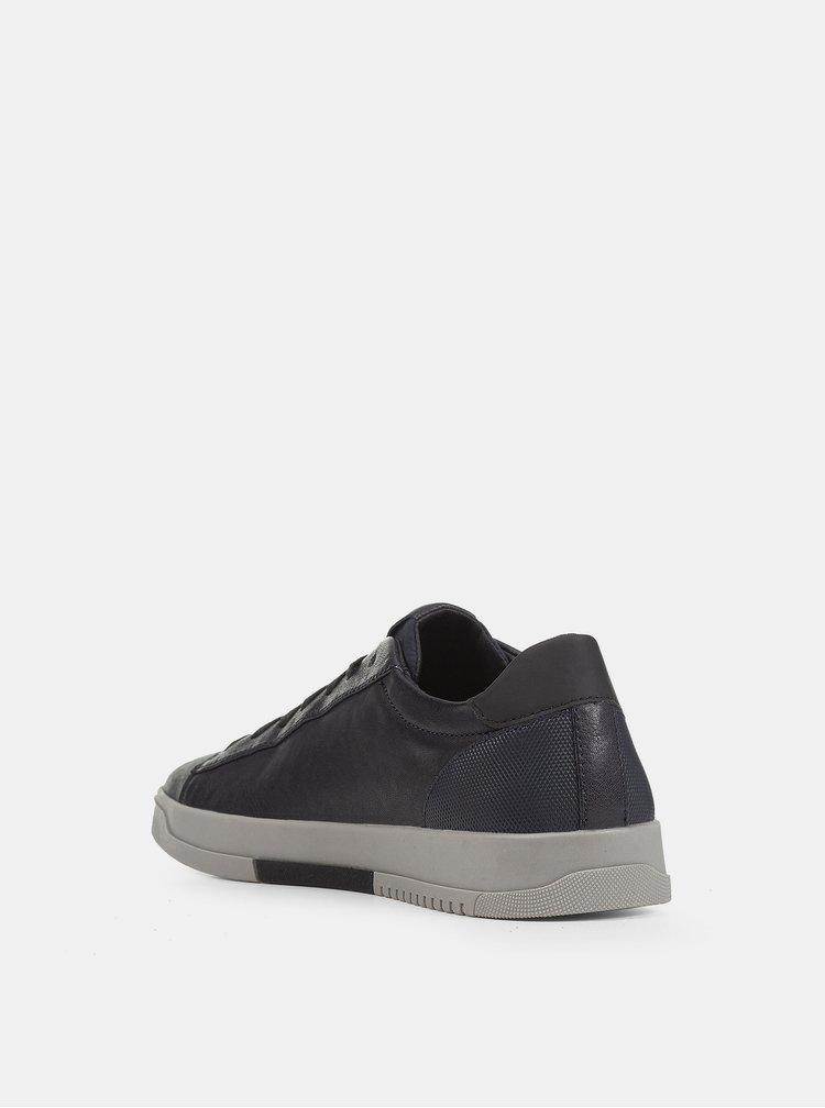 Pantofi sport si tenisi pentru femei Geox - gri