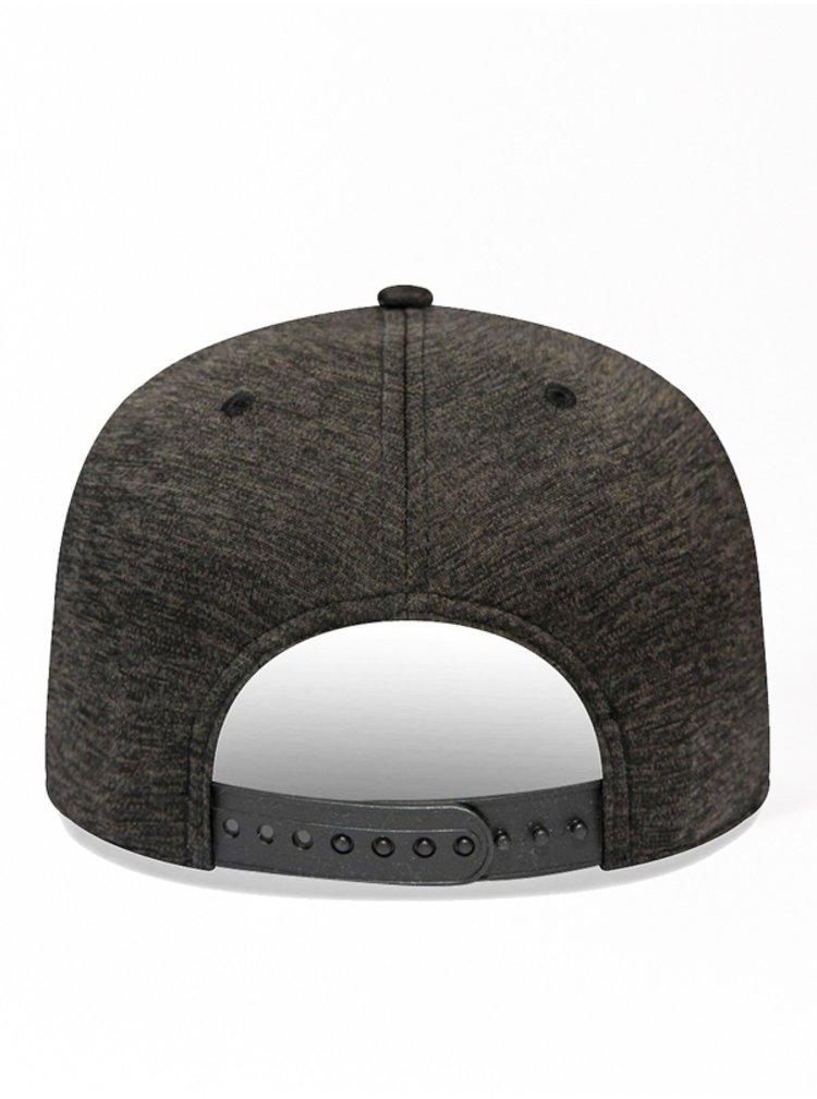 New Era 950 NEYYAN BLK kšiltovka s rovným kšiltem - černá