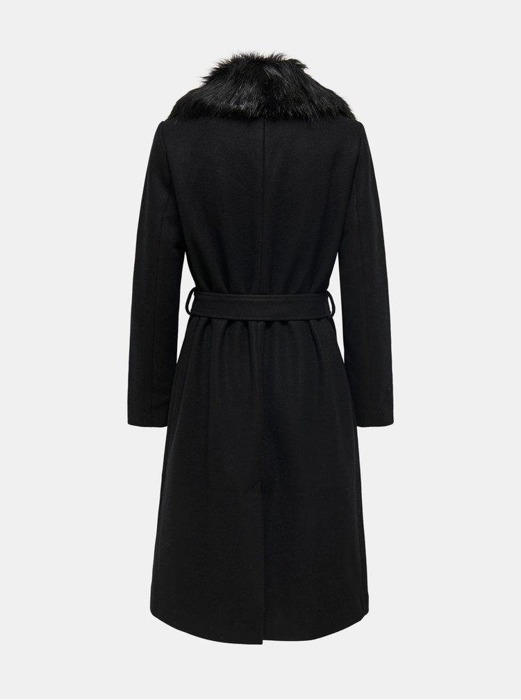Černý kabát s umělým kožíškem ONLY
