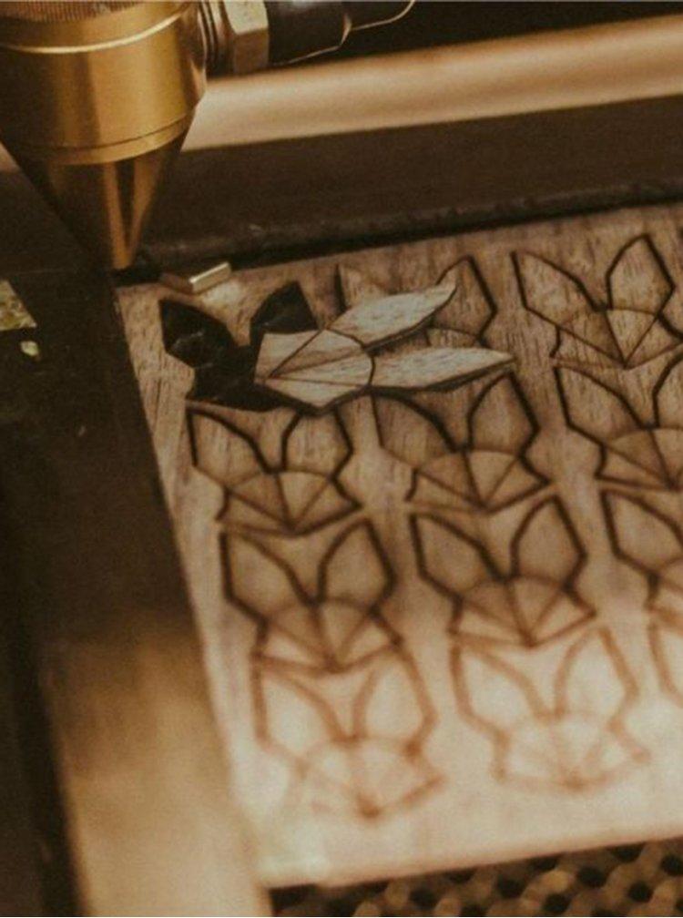 Dřevěná brož Melody Brooch BeWooden