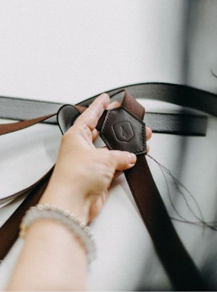 Kožené šle Forest Green Suspenders s dřevěnými detaily BeWooden