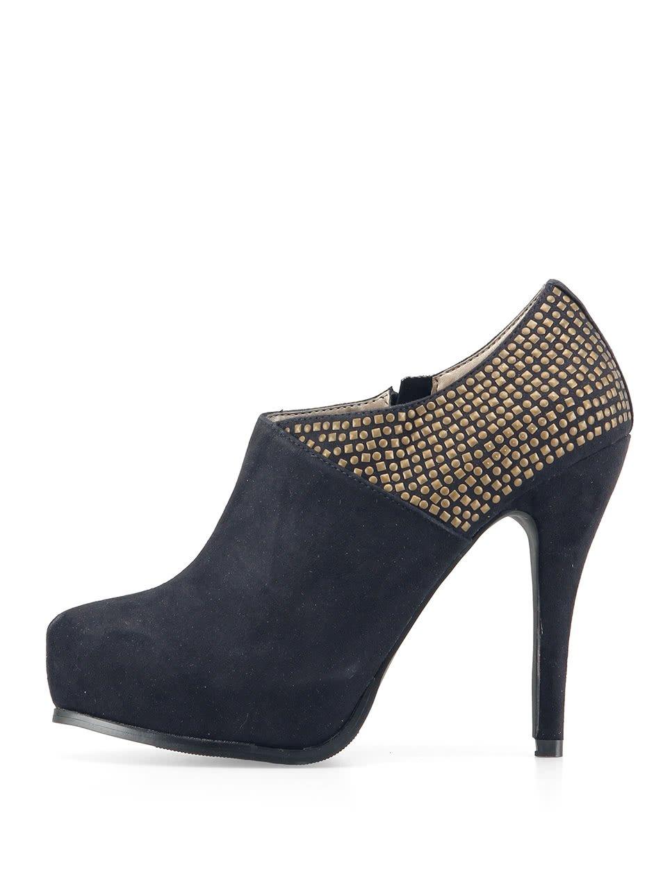Sexy černé boty Victoria Delef ozdobené cvočky