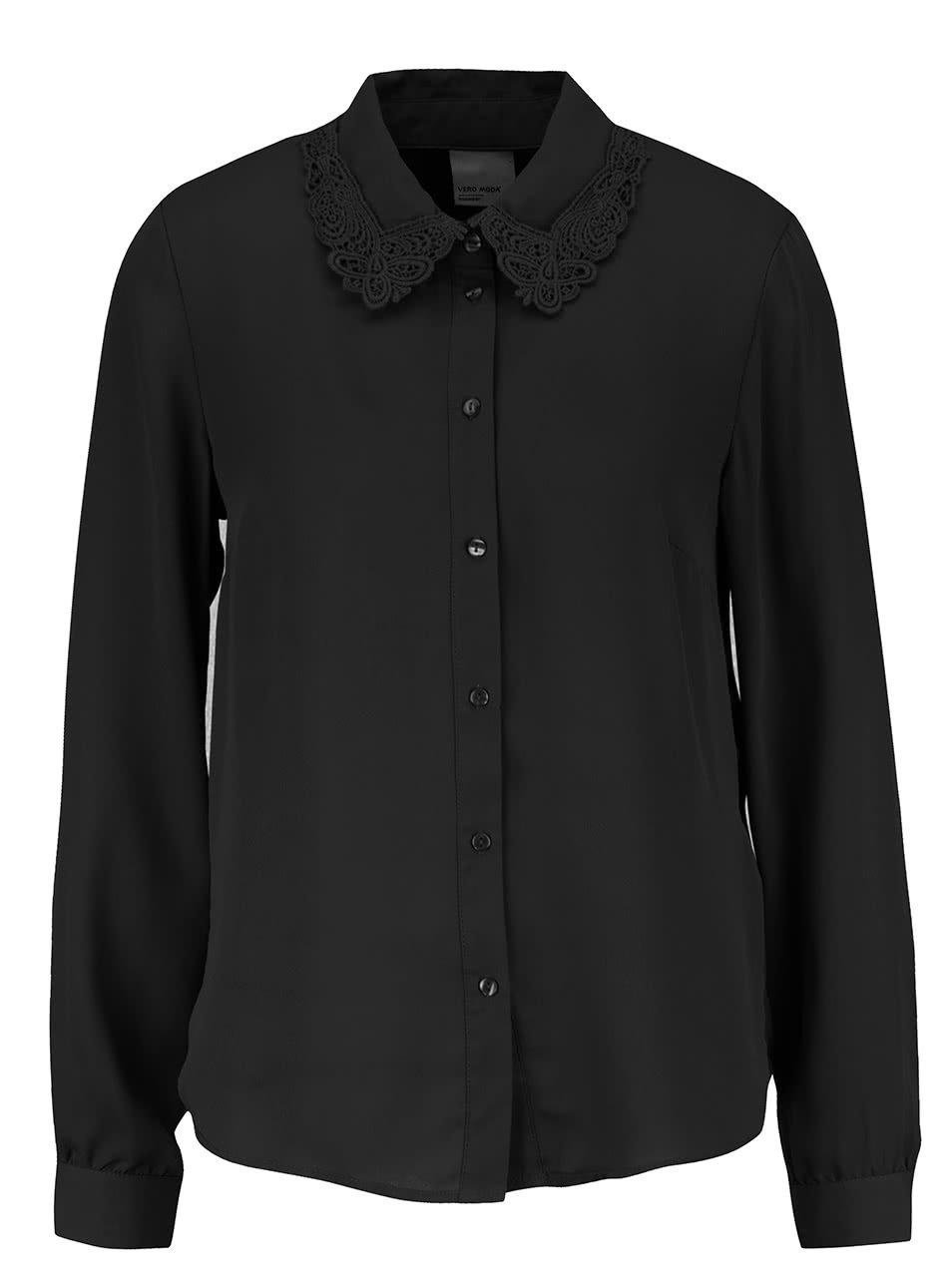 Černá volnější halenka s krajkovým límečkem Vero Moda Lennie