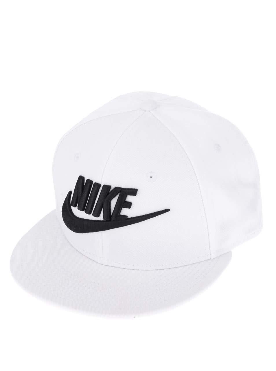 Bílá pánská kšiltovka s nápisem Nike Futura