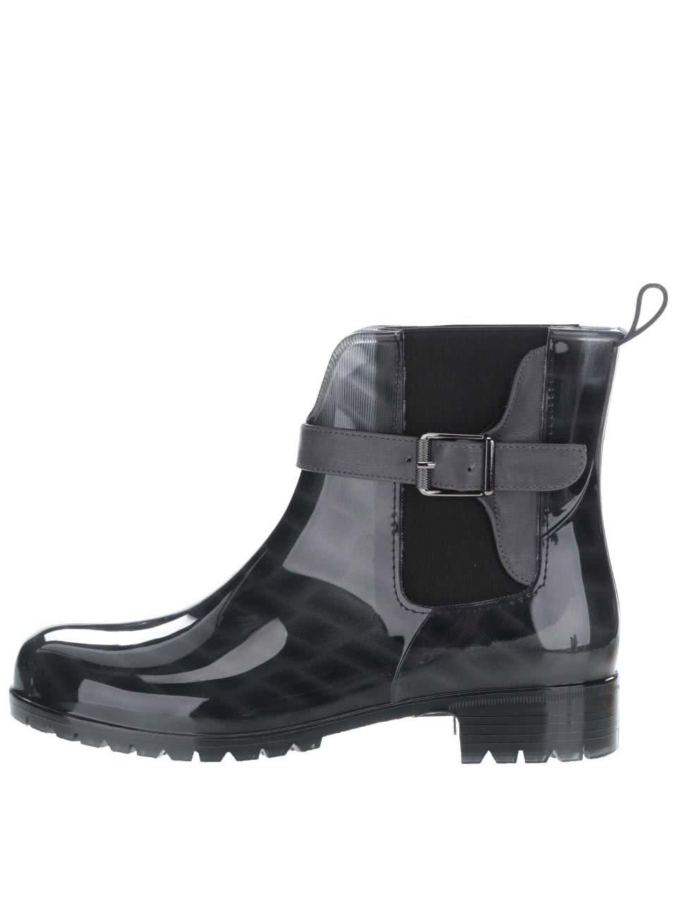 Černé vzorované gumové chelsea boty s šedým páskem Tamaris