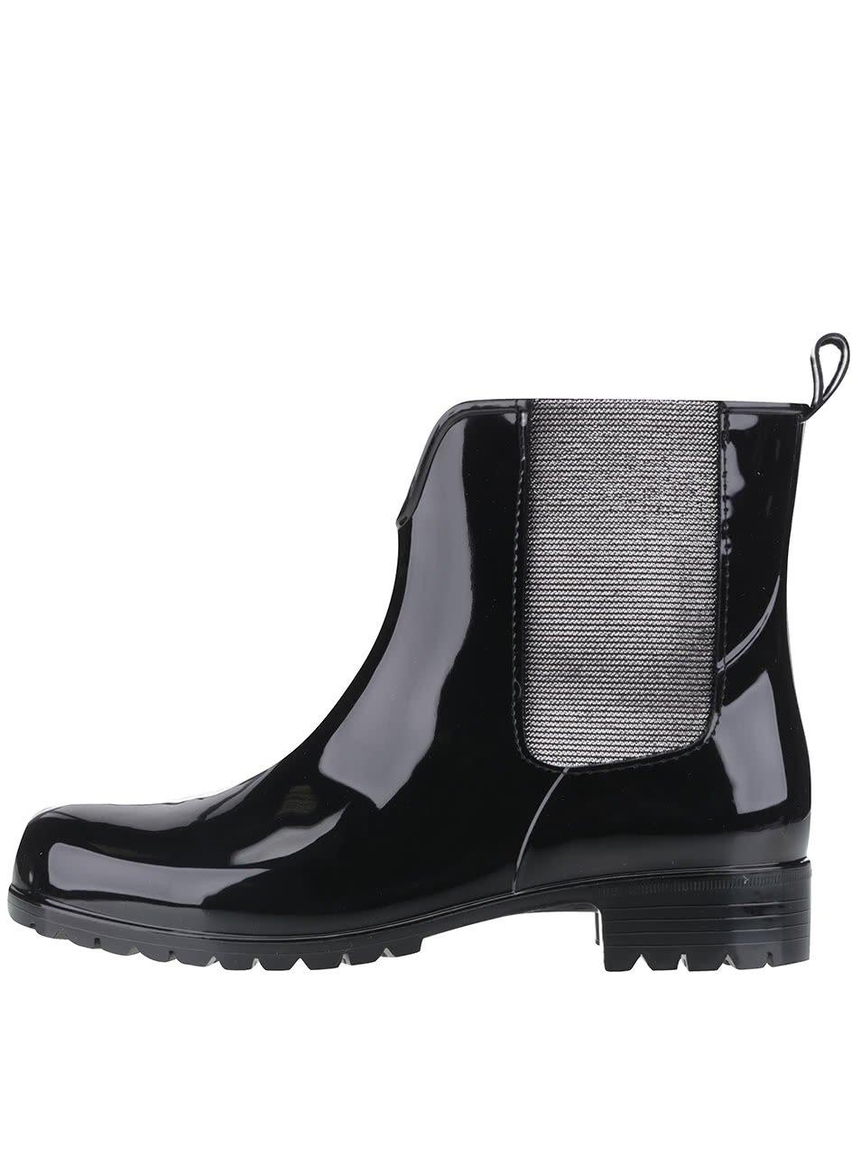 Černé gumové chelsea boty Tamaris