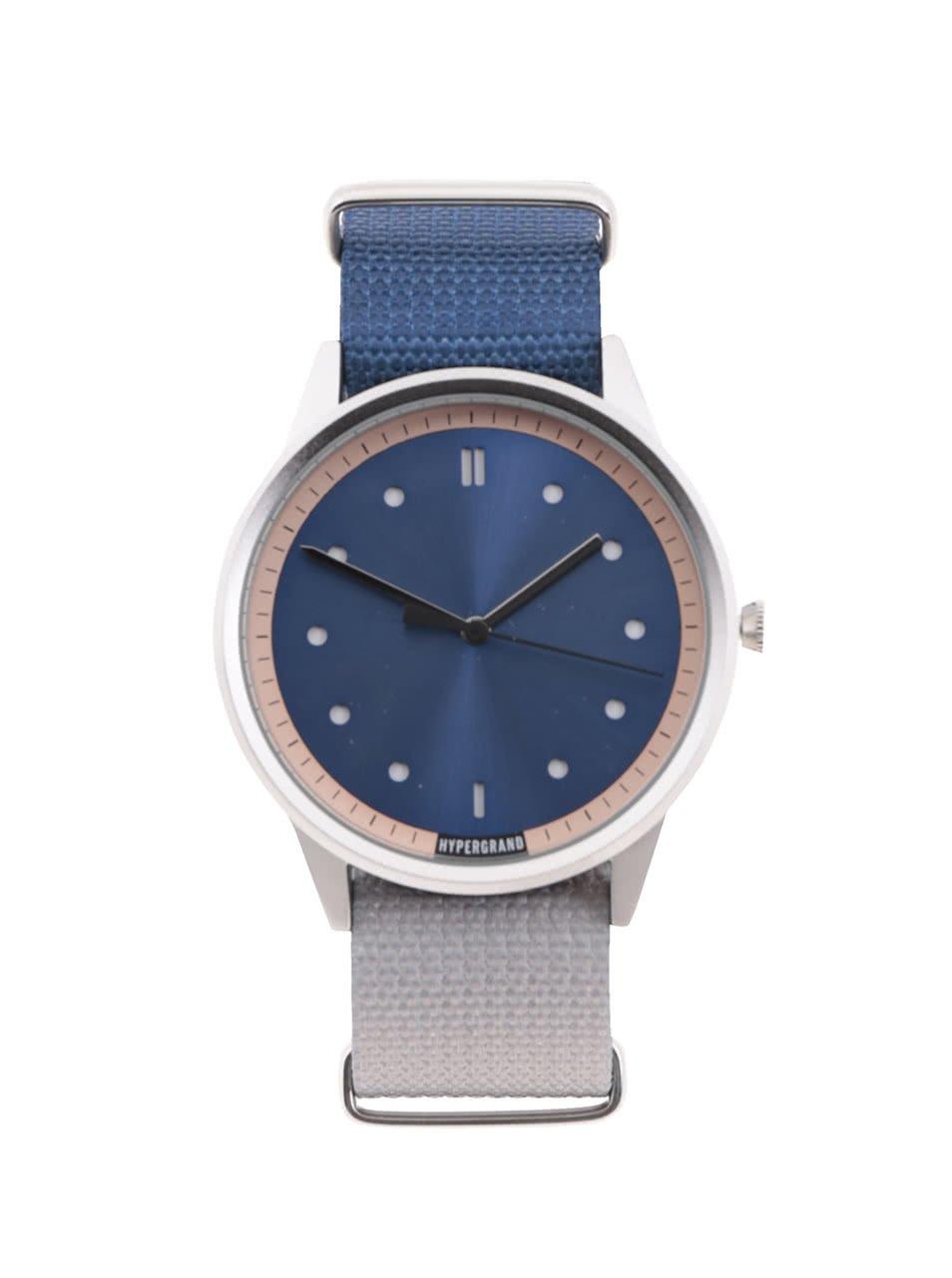 Pánské hodinky ve stříbrné barvě s šedo-modrým textilním páskem HYPERGRAND