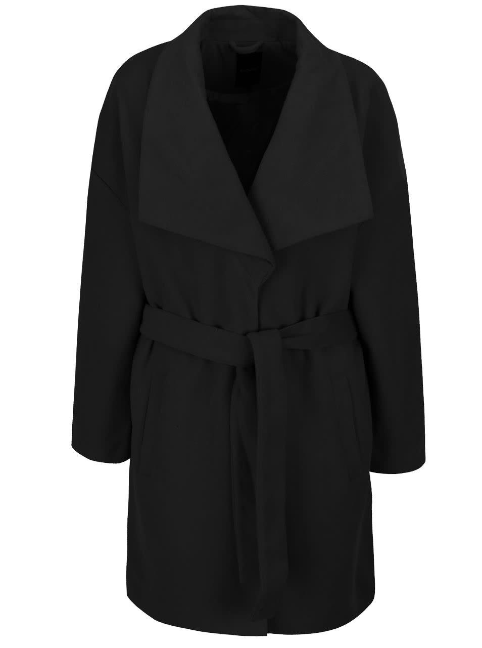 Černý kabát b.young